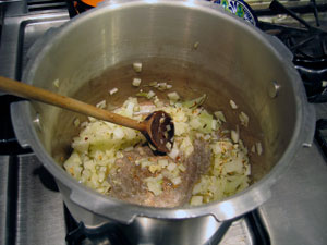 onions-in-pressure-cooker